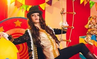 Звезда театра Юрьева Анжелика Шувакина — «маленькая бейба» большой премьеры