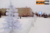 В Каменске-Уральском мужчина пытался дважды похитить елку с площади