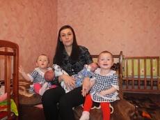 Тамбовские депутаты собрали многодетной семье 30 тысяч рублей