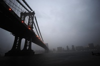 Ураган оставил Манхэттен без света и обрушил фасад шестиэтажки