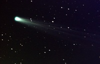 Самую яркую комету столетия уничтожит Солнце