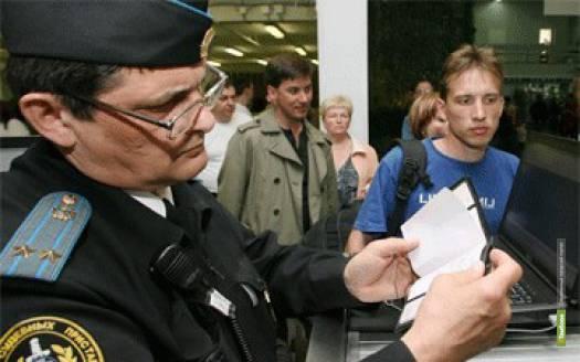 Жителя Рассказово не пускали за границу долги по кредиту