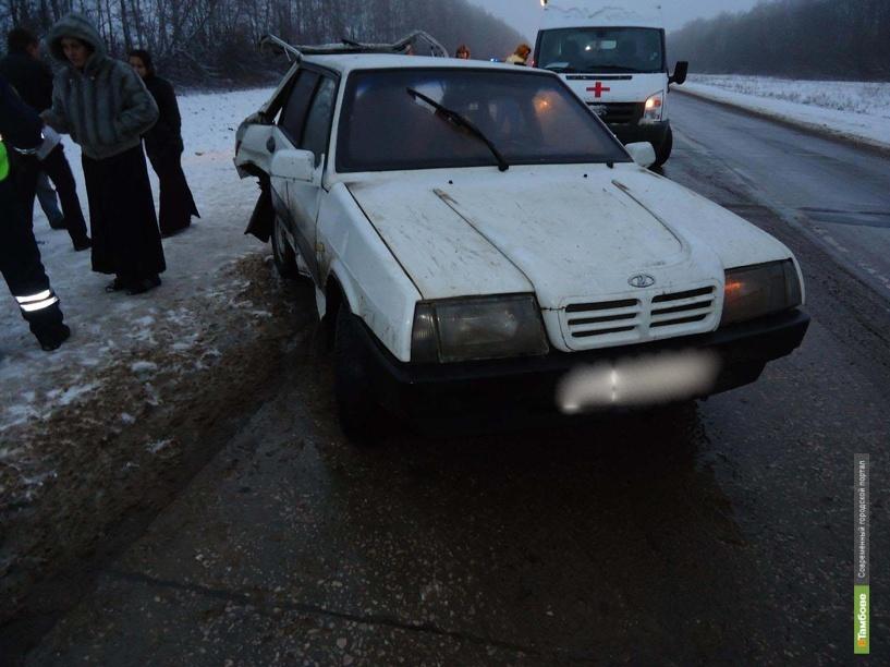 Липчанка на «девятке» «сбросила» Opel с проезжей части
