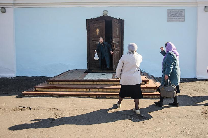 Православные освящают пасхи и куличи в храмах Тамбова