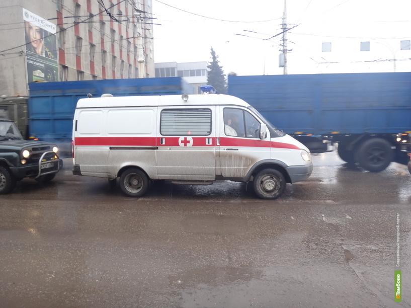 На тамбовской трассе столкнулись три авто