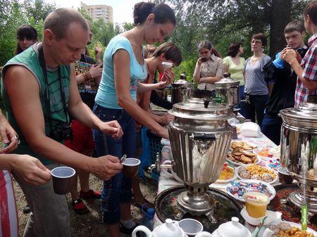 Тамбовчане побывали на большом самоварном чаепитии