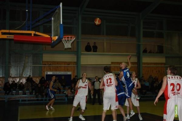 Баскетболисты из Тамбова обыграли курян