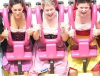 Открылся «Октоберфест» — фестиваль пива и девушек