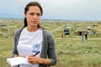 Джоли получит «Оскара» за гуманитарные миссии