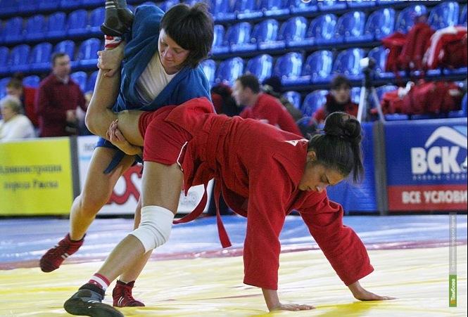 Тамбовские самбисты привезли медали с первенства и чемпионата ЦФО