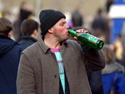 """Тамбовчане будут жаловаться на алкоголиков по """"горячей линии"""""""