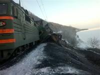 Крушение поезда под Иркутском парализовало движение на Транссибе
