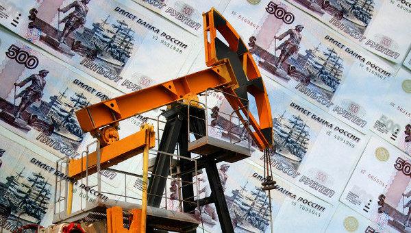 Дворкович: правительство обсуждает с компаниями продажу части нефти в рублях