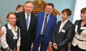Полпред Президента в ЦФО вручил подарки воспитанникам детдома Притамбовья