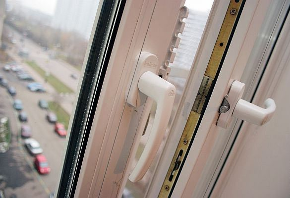 Тамбовчанин упал из окна девятого этажа и разбился насмерть