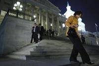 Дефолт США откладывается: сенат принял компромиссный проект бюджета