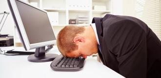 Работа, стресс, нехватка денег: россияне назвали основные причины плохого самочувствия