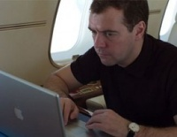 Больше 1,5 миллиона человек читают твиттер Медведева