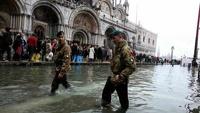 Дожди отправили под воду две трети Венеции