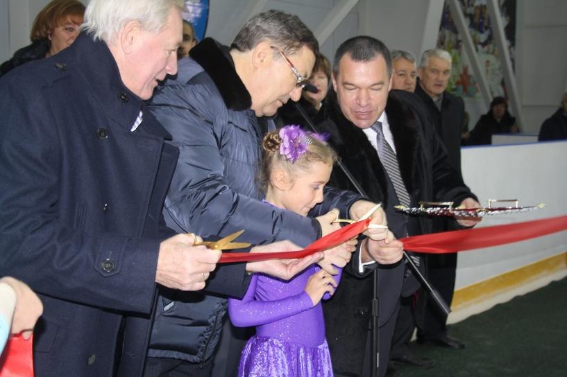В Уварово торжественно открыли ледовый дворец «Сокол»