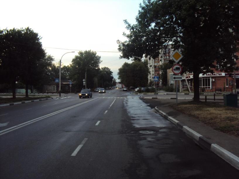В Тамбове Lada Priora не поделила перекресток со скутером