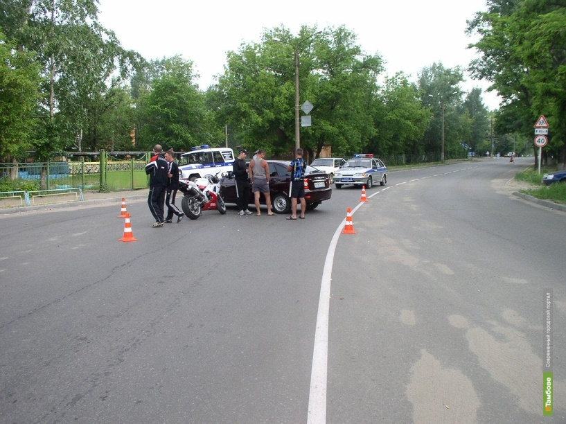 В Котовске не поделили дорогу мотоцикл и Лада Приора