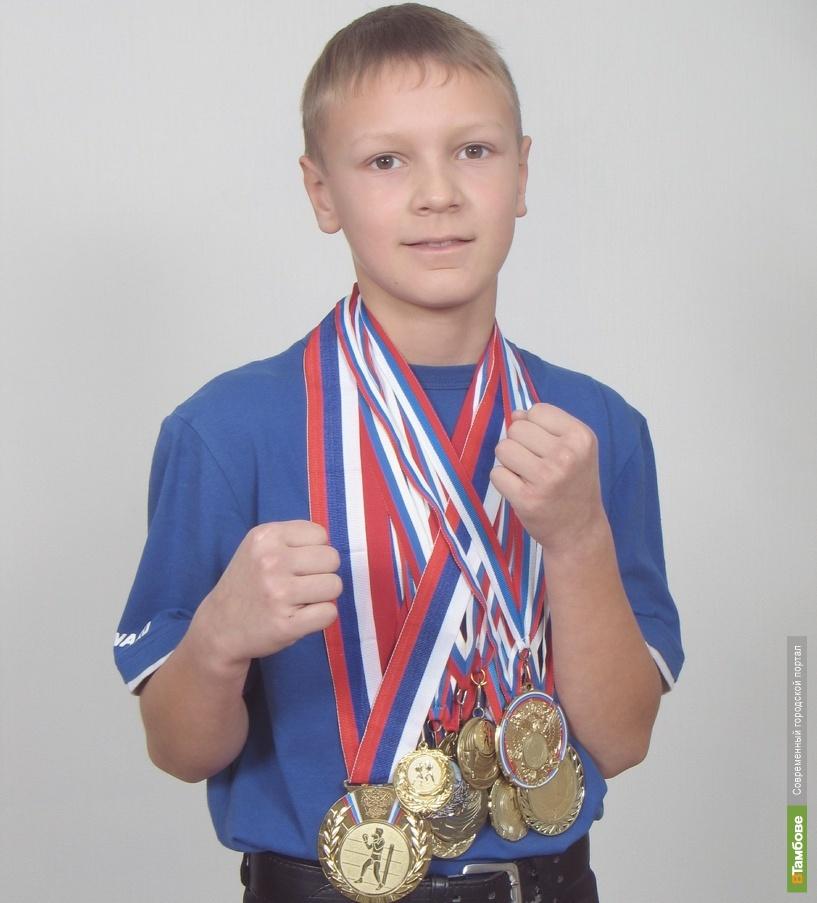 Тамбовский боксер вернулся с первенства России серебряным призером