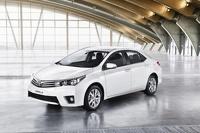 Toyota назвала рублевые цены новой Corolla