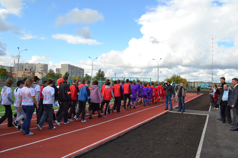 Петровский район обзавелся современным стадионом