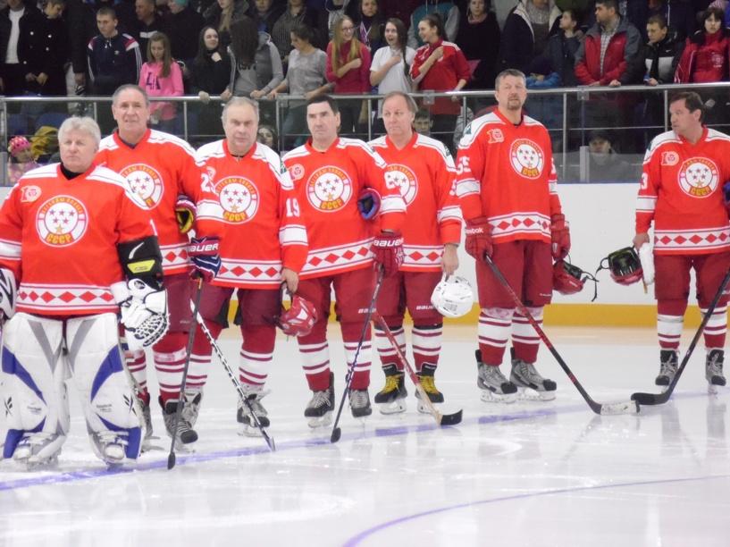 Легенды советского хоккея побывали на открытии ледовой арены в Моршанске