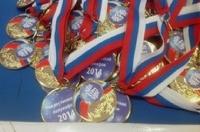Участникам полумарафона в Омске выдали медали с ошибкой
