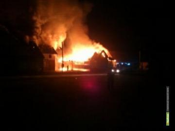 В Рассказово огонь уничтожил два рядом стоящих здания