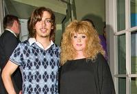Пугачева и Галкин стали родителями. Двойняшек назвали Гарри и Елизавета