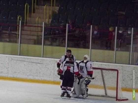 Тамбовские хоккеисты проиграли «летчикам» по буллитам