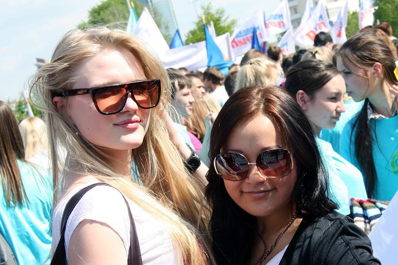 Три четверти россиян чувствуют себя счастливыми