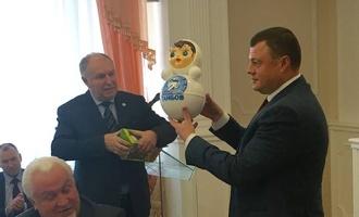 В Котовске сделали специальную новогоднюю неваляшку