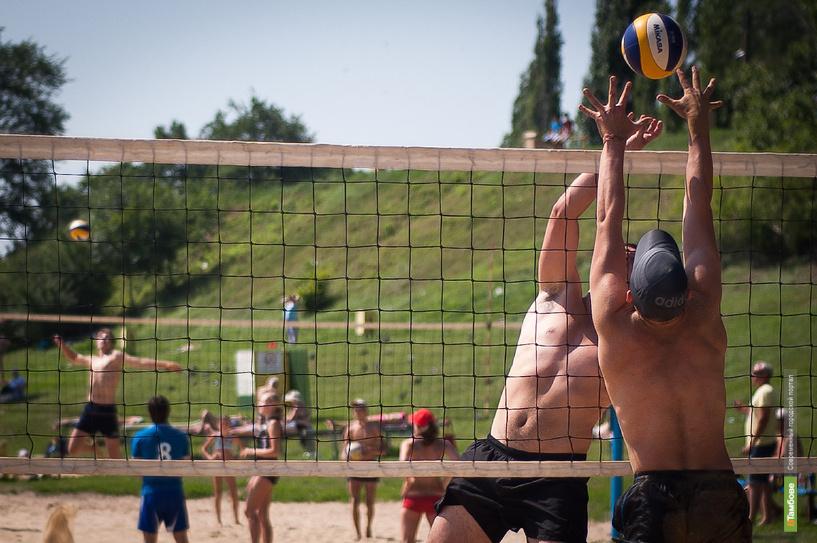 В день молодежи в Тамбове прошли соревнования по пляжному волейболу