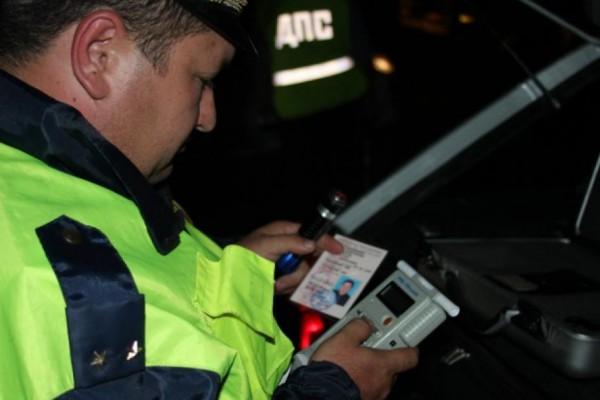 Полсотни нетрезвых водителей попались автоинспекторам в минувшие выходные