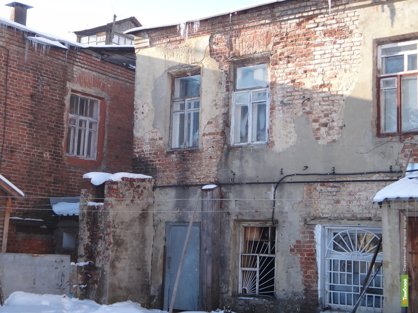 Тамбовчан переселили из 38-ми аварийных домов в новые квартиры