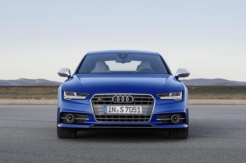 Матрица и лазеры: Audi обновила пятидверное купе А7