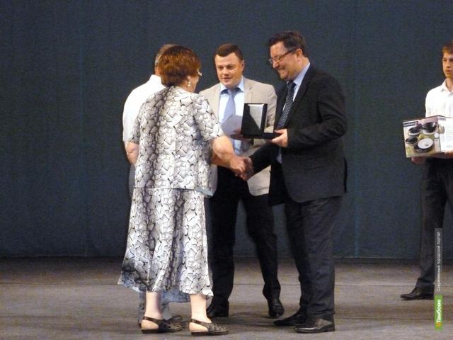 В Тамбове семейным парам вручили медали «За любовь и верность»