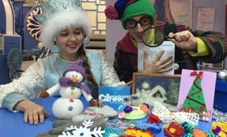 Рассказовские умельцы отправили костромской Снегурочке теплый подарок