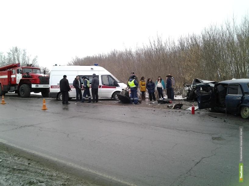 В Тамбовском районе лоб в лоб столкнулись две легковушки