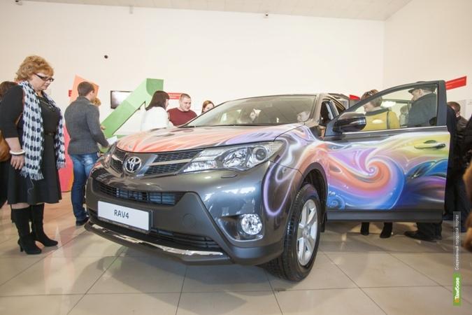В Тамбове состоялась презентация новой Toyota RAV4: мужчины с острым взглядом и легким характером