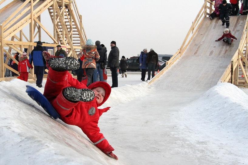 Неделя страданий: в Новый год россияне чаще ломают ноги и травятся