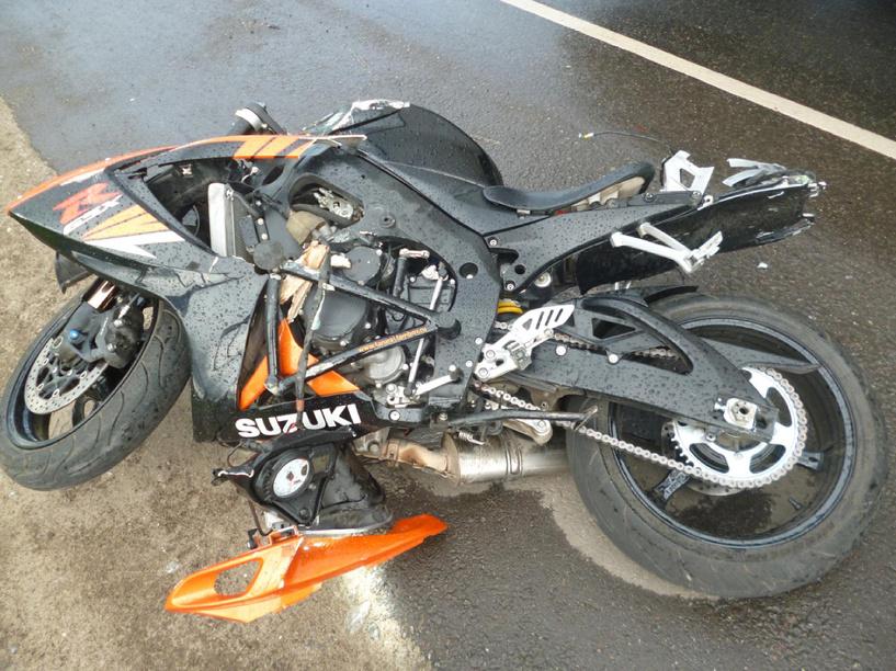 В Притамбовье мотоцикл лоб в лоб столкнулся с грузовиком