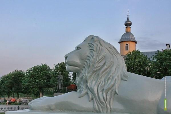 В Тамбове поселились каменные львы