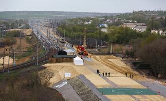 Железную дорогу в обход Украины запустят в августе следующего года