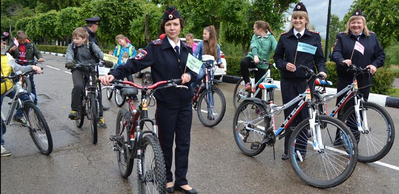 «Лето без ДТП»: автоинспекторы и школьники приняли участие в велопробеге