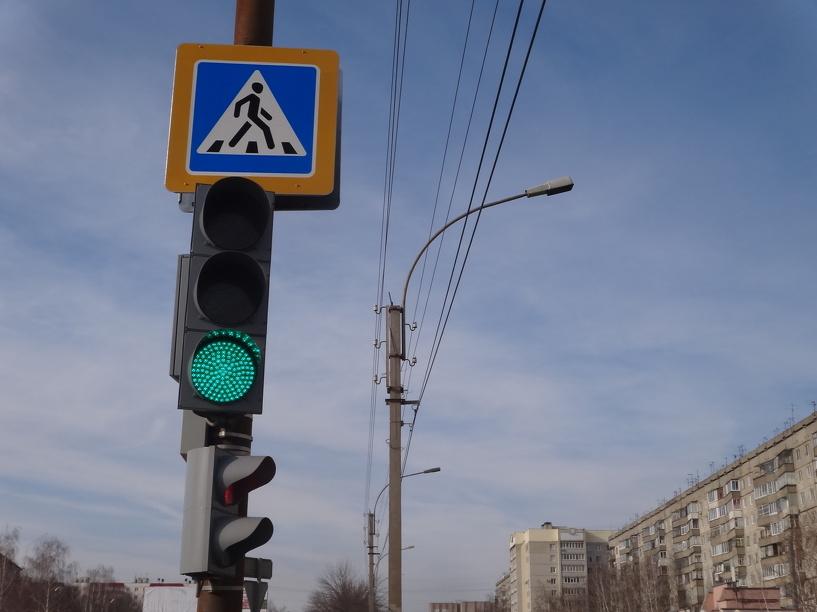 В областном центре заработали два новых светофора